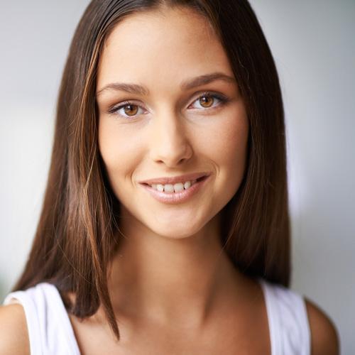 Mi nombre es Sonia y estaré encantada de ayudarte para que mejores tu imagen personal.