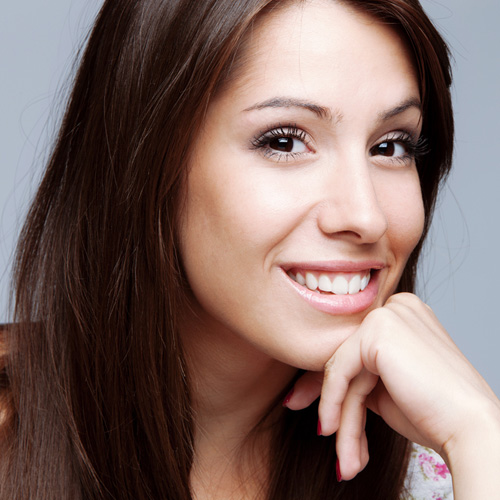 Me llamo Maribel y mi trabajo es disponer de los mejores productos y recursos para que tu estancia en nuestro salón sea perfecta.