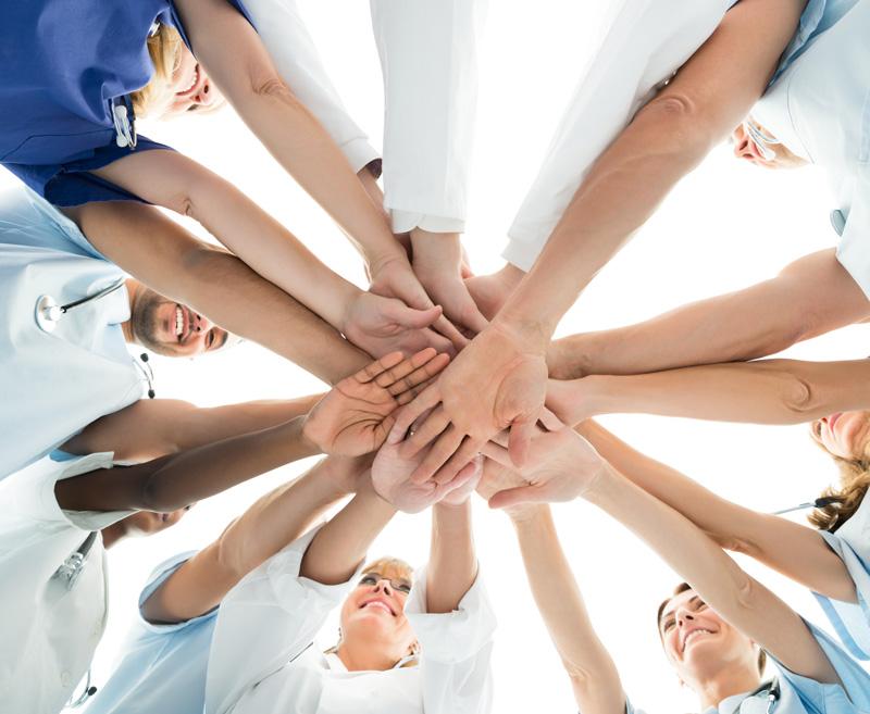 Un equip de professionals al teu servei per a assessorar-te i oferir-te els millors tractaments per a tu. <br> Un equipo de profesionales a tu servicio para asesorarte y ofrecerte los mejores tratamientos para tí.