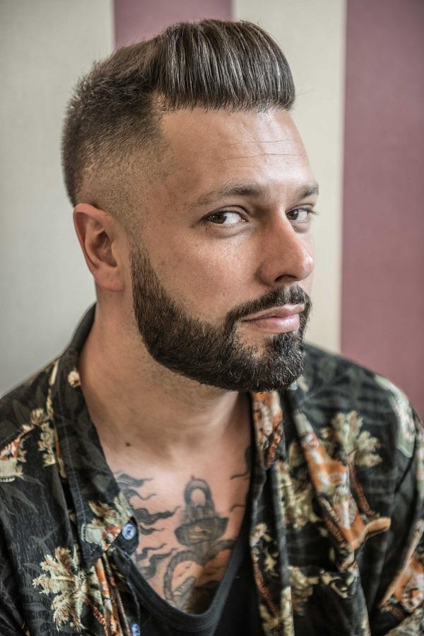Old School Barbershop ,en nuestro salon encontraras un  espacio exclusivo para el hombre. Disfruta de la fusion entre antiguas y nuevas tecnicas.
